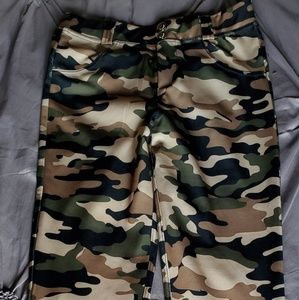 Camo running/exercise pants